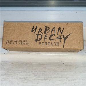 💄🆕 Urban Decay Vintage Vice Lipstick, Oil Slick